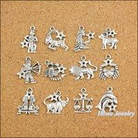 pulseiras de metal vintage venda por atacado-Atacado-120 pcs Vintage encantos do zodíaco doze constelações assinar pingente de prata antigo Fit pulseiras DIY colar de jóias de Metal fazendo