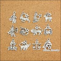 pendentifs vintage pour la fabrication de bijoux achat en gros de-Vente en gros-120 pcs Vintage Charmes Zodiac douze constellations signe pendentif Antique argent Fit Bracelets Collier DIY Fabrication de bijoux en métal