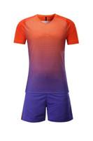 leere fußball trikots hemden großhandel-kundengebundene leere Fußball-Jersey-Hemd-Fußball-Trikot-Oberteile mit kurzen Hosen stellt Uniform, Diskont ein Günstige 2017 neue Trainings-Fußball-Trikots der Männer