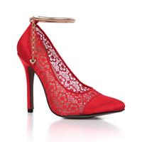 siyah saten elbise ayakkabıları toptan satış-2017 Yeni Fildişi / kırmızı / siyah Dantel Örgü Kadınlar Gelinlik Ayakkabı Saten Yüksek Topuklu Zincir Kadınlar Gelin Pompaları Nefes Parti Ayakkabı Büyük Boy 43