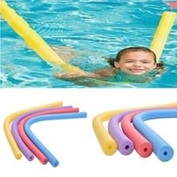 Vente en gros-6 * 1.5m 1pc Multifonctionnelle Flottante Pool Nouille Natation Kickboard Hollow Apprendre Water Float Aide Woggle Swim Flexible Row Ring