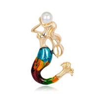 meerjungfrau party platten großhandel-Frauen-Qualitäts-Legierungs-Perlen-Meerjungfrau-Broschen-Pin-Goldüberzogener gemalter Emaille-Corsage-Schmuck-Zusatz der Art- und Weise3pcs / lot