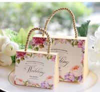Wholesale pink wedding favor boxes - Portable Paper Handbag Jewelry Wedding Favors Party Gift Bags Candies Pouch Holders Boxes Sachet Anniversary Birthday Shower Event Party Dec