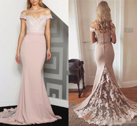 Wholesale Long Dresses For Prom Peach - Peach Off-Shoulder Mermaid Bridesmaid Dresses Lace Backless 2017 Junior Maid of Honor Dress For Weddings Vintage Formal Prom Party Gowns