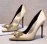 sapatas do casamento do champanhe do salto baixo venda por atacado-2017 atacadista novo produto champanhe de salto alto dedo apontado de couro de seda ouro mulheres de casamento sapato 360