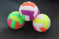 corde de balle clignotante achat en gros de-Les stands vendent comme des petits pains chauds sifflement volley-ball lumineux CM7.5 6,5 cm avec corde flash balle élastique couleur massage léger