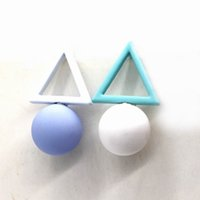 Candy Colors Triangle Ball Drop Earrings Pour Femmes Bijoux New Fashion Jewelry Vente en gros Cute Gift