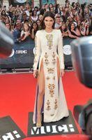 Wholesale Celebrity Inspired White Long Dresses - Evening dress kylie jenner White Long sleeve Floor length Crystals Yousef aljasmi Long sleeve Kim kardahisn Zuhair Murad Celebrity Dress
