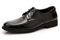 Wholesale Shoes For Dresses - 2017 Mens Genuine Leather Brogue Shoes,Top Quality Luxury Oxford Shoes For Men,Cool Classic Carved Dress Wedding Shoes Man
