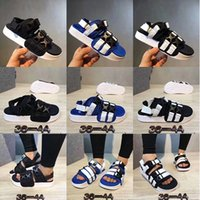 Wholesale Sticker Shower - 2017 blue beach men black Slippers popular Slides Famous Unisex Slide Sandal summer indoor scuffs Leadcat ylm stickers casual sandals 36-44