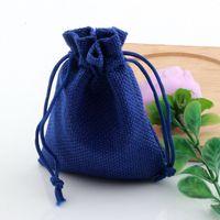 mavi şeker poşetleri toptan satış-Sıcak ! 50 adet Keten Kumaş İpli çanta Şeker Takı Hediye Torbalar Çuval Bezi Hediye Jüt çanta 7x9 cm / 10x14 cm / 13x18 cm / 15x20 cm (mavi)