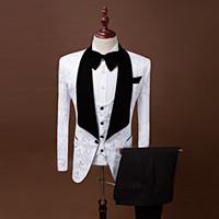 siyah takım elbise yelek toptan satış-Damat Smokin Groomsmen Kırmızı Beyaz Siyah MAVI Şal Yaka Best Man Suit Düğün erkek Blazer Custom Made Suits (ceket + Pantolon + Kravat + Yelek)