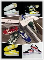 Baskets Baskets Pas Cher-Yezee Calabasas Styliste Ian Connors Revenge X Storm Sneakers kanye west calabasas Casual Chaussures Hommes Femmes Chaussures 8 Couleurs Gros Taille: 36-45