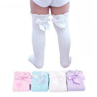 meias de princesa para meninas venda por atacado-Meninas do bebê Na Altura Do Joelho Meias Altas Crianças Crianças Bonito Laço Arcos Princesa perna Aquecedores De Algodão Sólido Menina Longo Tubo Branco Meias