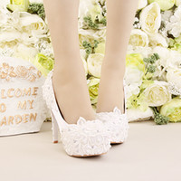 Wholesale Fresh Flowers Shoes - Newest Elegant White Fresh Lace Flowers Bridal Wedding Shoes Rhinestone And Imitation Pearls Party Prom Banquet High Heels