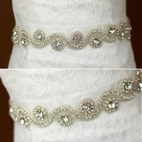 cinturon nupcial organza al por mayor-Bling Bling Crystals Bridal Belts 2017 Rhinestones de lujo Wedding Sashes Satin Ribbon Organza Hermoso nupcial Headpieces Handband