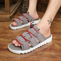 Atacado-Nova Moda Men Sandals Abrir Toe Cut-outs Beach Sandals Coreano Casual Flats Plataformas Sapatos Masculino Verão