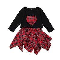 xmas etekler toptan satış-Noel ins Yürüyor Kızlar Siyah Uzun Kollu Kalp Nakış Gömlek Üst + kızlar ızgara Ekose Etek 2 ADET Bebek Giysileri Butik kıyafetler 1-5years