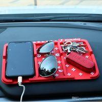 handy-kamera-halter großhandel-Rutschfeste Auto Auto Klebrige super mode Armaturenbrett Anti Slip Pad GPS Mobilen Ständer Halter Für iPhone Kamera MP3 MP4 Mobile Iphone Handy