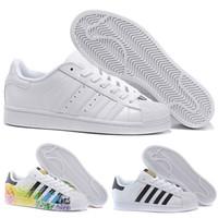 1dbe316ccaa58 Hot Cheap Adidas Superstar 80S Männer Frauen Casual Basketball Schuhe Skate  Schuhe 17 Farbe Regenbogen Splash-Tinte Mode Sportschuhe Größe eur 36-44
