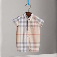новая одежда в стиле англия оптовых-2018 Лето короткие ползунки новый хлопок дышащий плед одежда для младенческой мальчик девочка классический стиль Англии мода Детская одежда