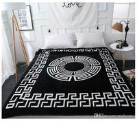 manta de marca al por mayor-Diseño de marca Venta caliente Impreso Toalla de playa PINK Algodón Mantas Toalla de natación al aire libre Manta de hotel Toalla Negro Chunky Knit Blanket