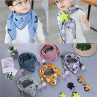 coreano crianças modelos venda por atacado-nova marca de algodão impressa crianças triângulo cachecol coreano multi-função lenços 15 cores designer de luxo xale cachecol modelo não. NE909