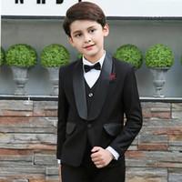 casaco de meninos venda por atacado-Personalizado Meninos Pretos Ternos Dos Miúdos Ternos 2018 Wedding Prom Set 3 Peças (Jacket + Calça + Colete) Formal Wear para Crianças
