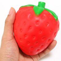 main de fraise achat en gros de-DHL navire 11 * 9 cm PU Kawaii Fraise Squishy Crème Parfumée Lente Rising Nouveauté Squishies Charmes Main Jouet Stress Cadeaux WX9-310