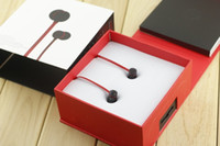 Wholesale noise sounds - UR wired earphones 3.5mm in ear brand headphones great sound headsets with retail package 11color in stock