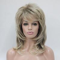 flauschige pony großhandel-Hivision Mode bezaubernde Gesundheit blonde Mischung und Golden Brown Wurzel mittlerer Länge flauschige wellige Frauen Pony für jeden Tag Haarperücken