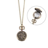 quarz-delfine uhr großhandel-Vintage Taschenuhr Bronze Farbe Quarzuhr Coole Kette Hohl Dolphin Cover Uhren LL @ 17