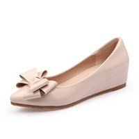 damen oxford fersen großhandel-2018 Mode Frauen Keile Plattform Flache Halbschuhe Schuhe Loafers Low Heels Pumps Spitz Rosa Schwarz Damen Nude Driving Schuhe Größe 32-41
