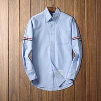 lüks erkekler resmi gömlekler toptan satış-Lüks tasarımcı çizgili beyaz pamuklu gömlek formu erkekler erkekler için uzun kollu resmi gömlek ile cep mens elbise gömlek düzenli fit toptan D3