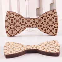 pajarita de madera al por mayor-Pajarita de madera para hombre Novio 2017 Nuevo Fshion Wood 8 Style Gentleman Bow Ties pajaritas para boda