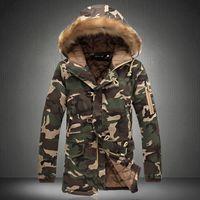 erkekler için uzun askeri katlar toptan satış-Erkekler Kış Kamuflaj Parkas Erkek Askeri Orta-uzun Kış Ceket Kalınlaşma Pamuk-yastıklı Kış Camo Ceket Erkekler Ile Kürk Kaput