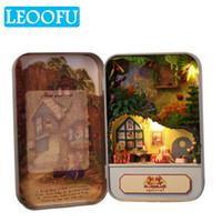 kutu dollhouse toptan satış-LEOOFU mini doğum günü hediyesi oyun evi oyuncaklar diy bebek metal kutu küçük evler minyatür dollhouse mobilya seti oyu ...