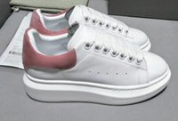 Wholesale new girls sneakers - 2018 New Designer Comfort Pretty Girl Women's Sneakers Casual Leather Shoes Men Womens Sneakers Extremely Durable Stability
