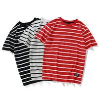 camiseta rayada blanca negra al por mayor-Moda rayas camisetas 2018 hombres mujeres Skateborad rojo blanco camiseta a rayas Top Tees Hip Hop negro blanco rayas Camisetas