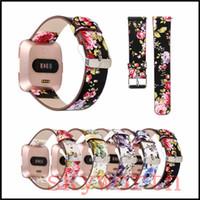 deri izle bant çiçek toptan satış-Fitbit Versa Kayış Bandları için Hakiki Gerçek Deri Çiçek Sapanlar Band Adaptörü Ile 22 MM Bilezikler Akıllı İzle band aksesuarları