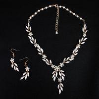 boucles d'oreilles en strass achat en gros de-2019 style coréen feuilles d'or boucle d'oreille collier ensemble Headban HeadPiece strass cristal fleur Faux perles parti de mariée bijoux de mariée