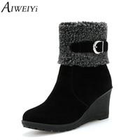 plataforma botas curtas mulheres venda por atacado-AIWEIYi Ankle Boots para Mulheres Flock Wedges Sapatos de Plataforma Mulher Bombas Sapatos De Pele Quente Botas de Inverno Botas Pretas Curtas