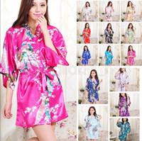 blumendruck kimono großhandel-14 Farben Seidensatin Blumen Robe Frauen Kimono Short Nachtwäsche Print Hochzeit Braut Brautjungfer Seidenfleck Blumen Bademantel AAA588 12st