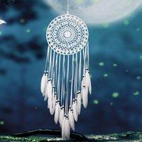 dreamcatcher süslemeleri toptan satış-El yapımı Dantel Rüya Catcher Dairesel Tüyler Asılı Dekorasyon Süsleme Zanaat Hediye Ile Tığ Işi Beyaz Dreamcatcher Rüzgar Çanları