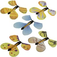 brinquedos novidade mão venda por atacado-Magia Flyer Borboleta Brinquedos para Crianças Transformação Da Mão Da Família Truques de Mágica Engraçado Novidade Prank Joke Mystical Fun Brinquedos Clássicos