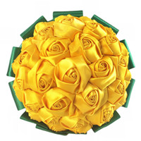 ramos amarillos al por mayor-Personalizado amarillo verde rosa flores ramo hecho a mano flores de la boda ramo simple novia flor de la dama de honor celebración W2796