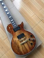 puente de la guitarra al por mayor-Custom Shop Spalted Maple Top Guitarra eléctrica marrón Golden Bridge Columna trasera, Sintonizadores cromados