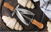 pãezinhos venda por atacado-Cortador De Rolamento de Aço inoxidável para Fazer Croissant Pão Roda Faca De Massa De Massa De Madeira Punho de cozimento Faca de Cozinha 100 Pcs
