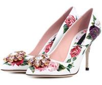 flor de casamento salto alto venda por atacado-Mais novo Flor de Strass Saltos Altos Mulher Apontou Toe Rose Diamante De Cristal Sapatos Baixos Mulheres Sapatos De Casamento De Luxo