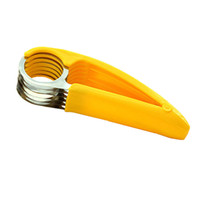 ingrosso affettatrici di banane-1 PC creativo in acciaio inox fetta di banana chopper frutta cutter cetriolo vegetale Peel er affettatrici utensili da cucina